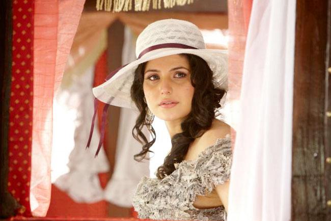 hot images of zarine khan. Zarine khan#39;s Hot Photos amp;