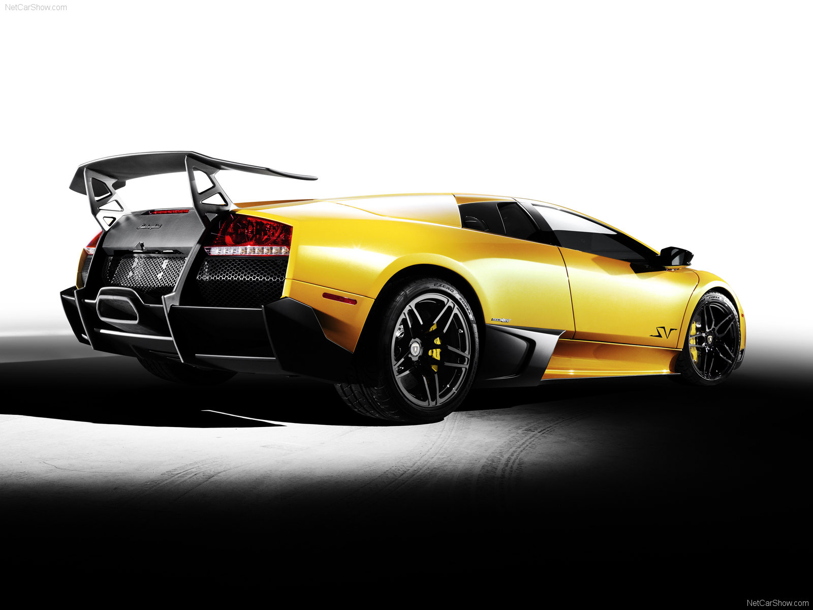Lamborghini Wallpaper HD: Lamborghini Murcielago Wallpaper