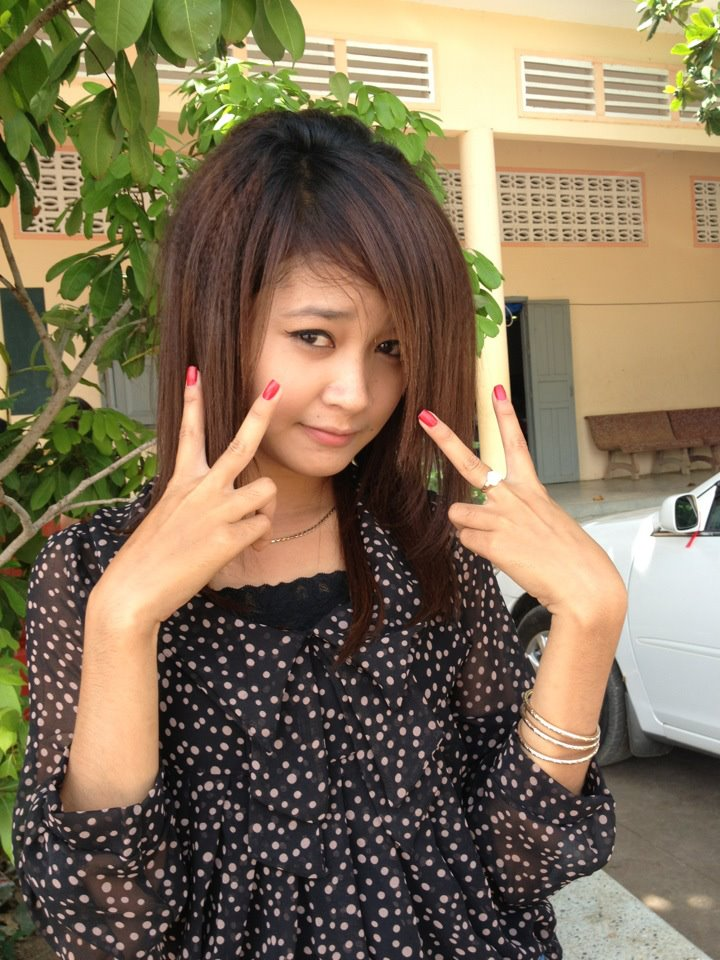 Khmer Facebook Sexy Girl : Nut - 148.9KB