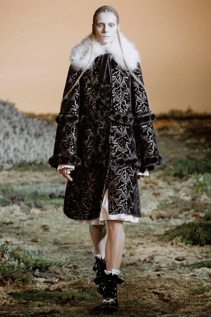 Alexander McQueen Paris Fashion Week Otoño Invierno 2014-2015 2