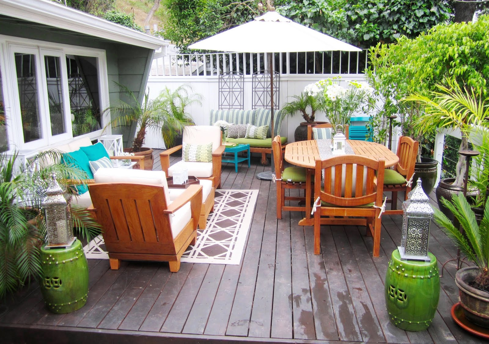 Deck Decorating Ideas title=