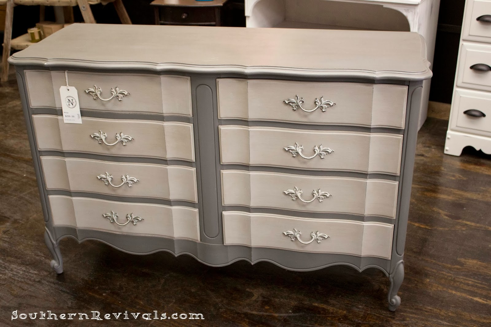 Incroyable Southern Revivals | French Provincial Chalk Painted Gray Dresser Redo
