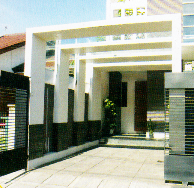 Desain Pintu Geser Kaca Rumah Modern