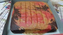 Kek Marble Coklat Strawberry