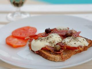 Tartines de tomates aux anchois