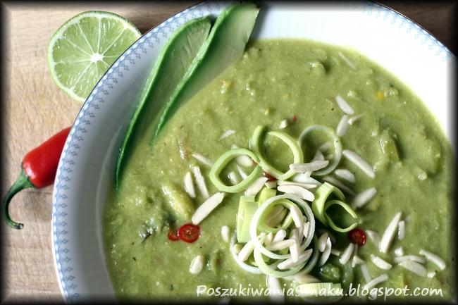 zupa z awokado i warzyw z chilli i limonka