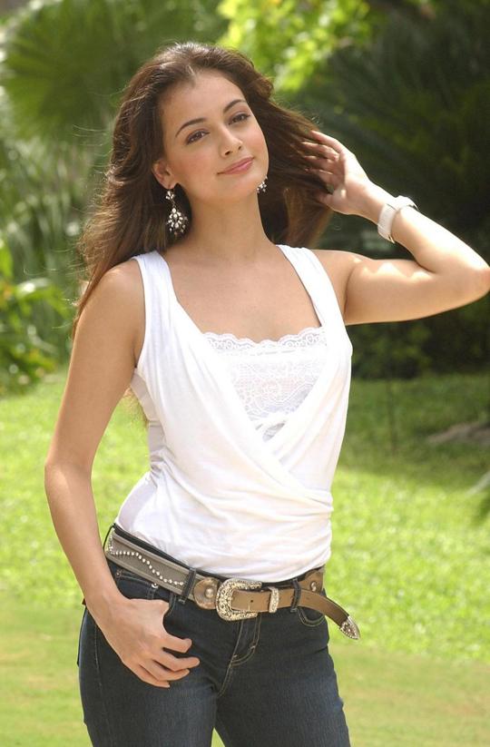 جميلات بوليود الهند  DIA_MIRZA