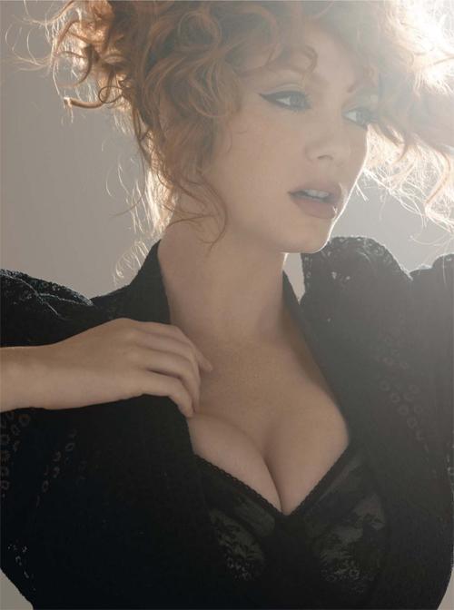 Latest Hot Sizziling Images Of Christina Hendricks Actress