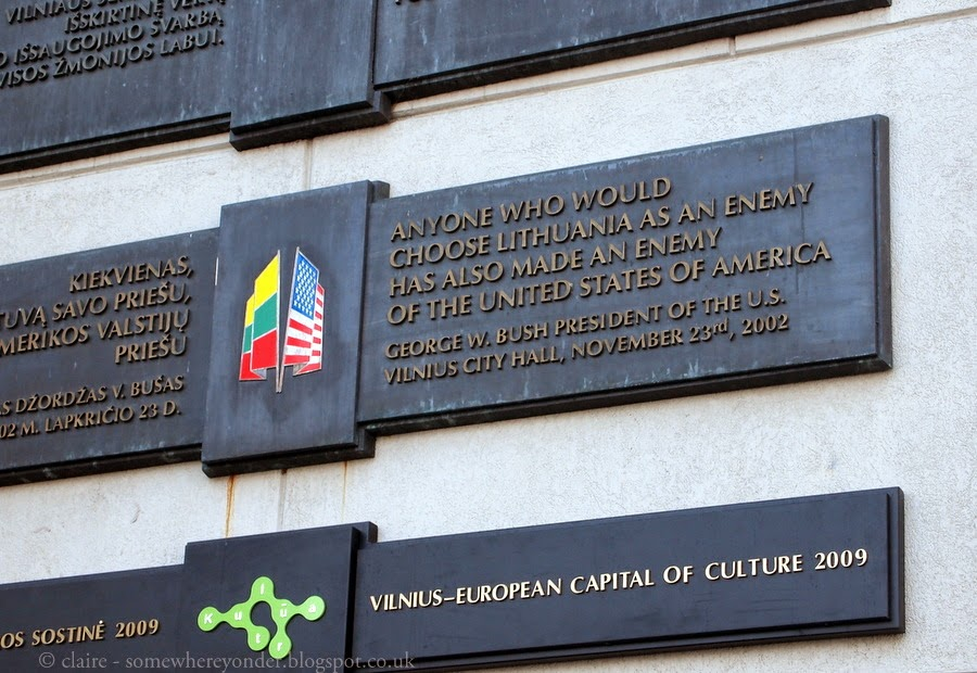 Lithuania flag, Vilnius Town Hall and George W Bush