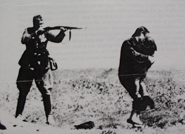 [Image: holocaust3.jpg]