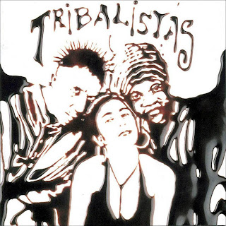 Capa do disco Tribalistas: Arnaldo Antunes, Marisa Monte e Carlinhos Brown.