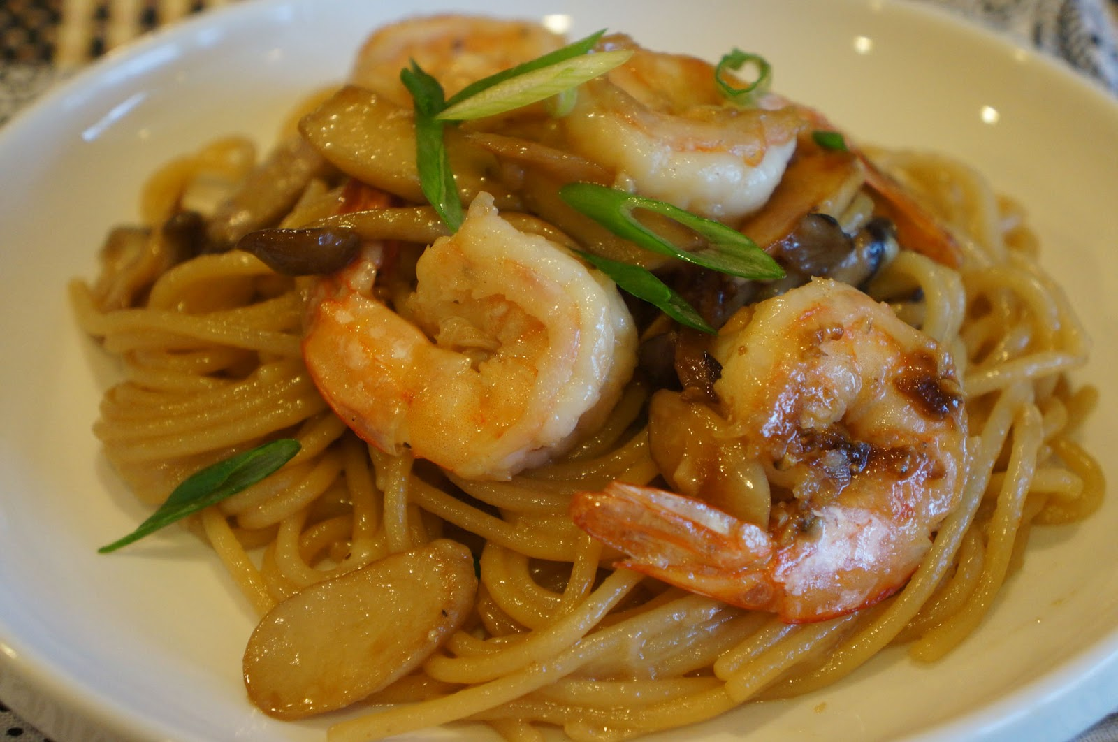Gourmet by Kat: Shrimp garlic noodles