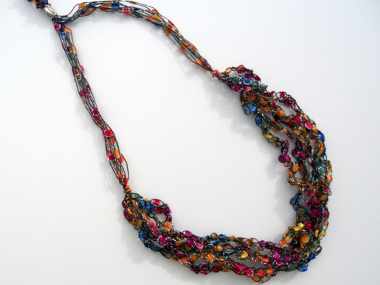 just another hang up trellis necklace tutorial