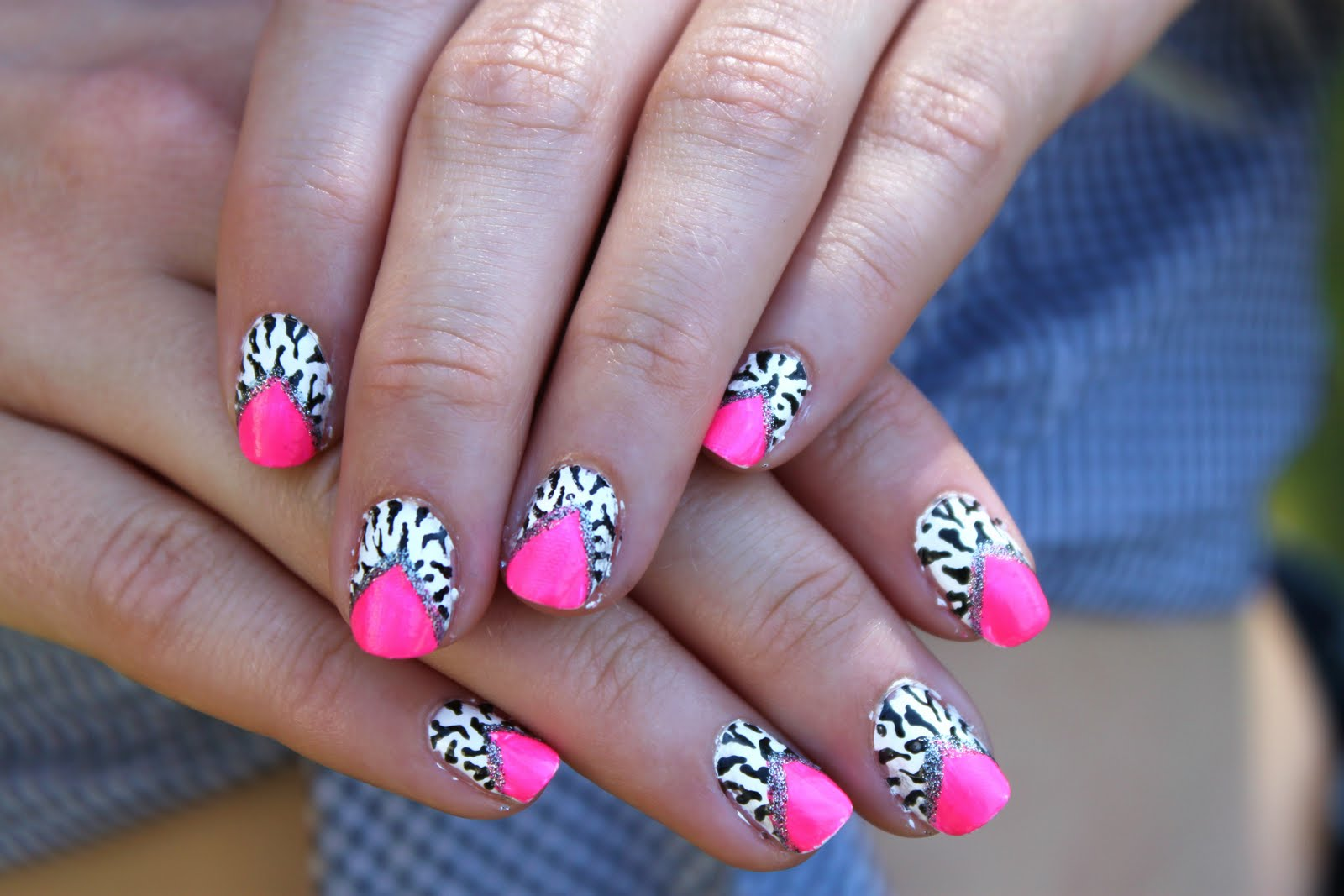 Crazy About Nails: Neon pink and white zebra nails
