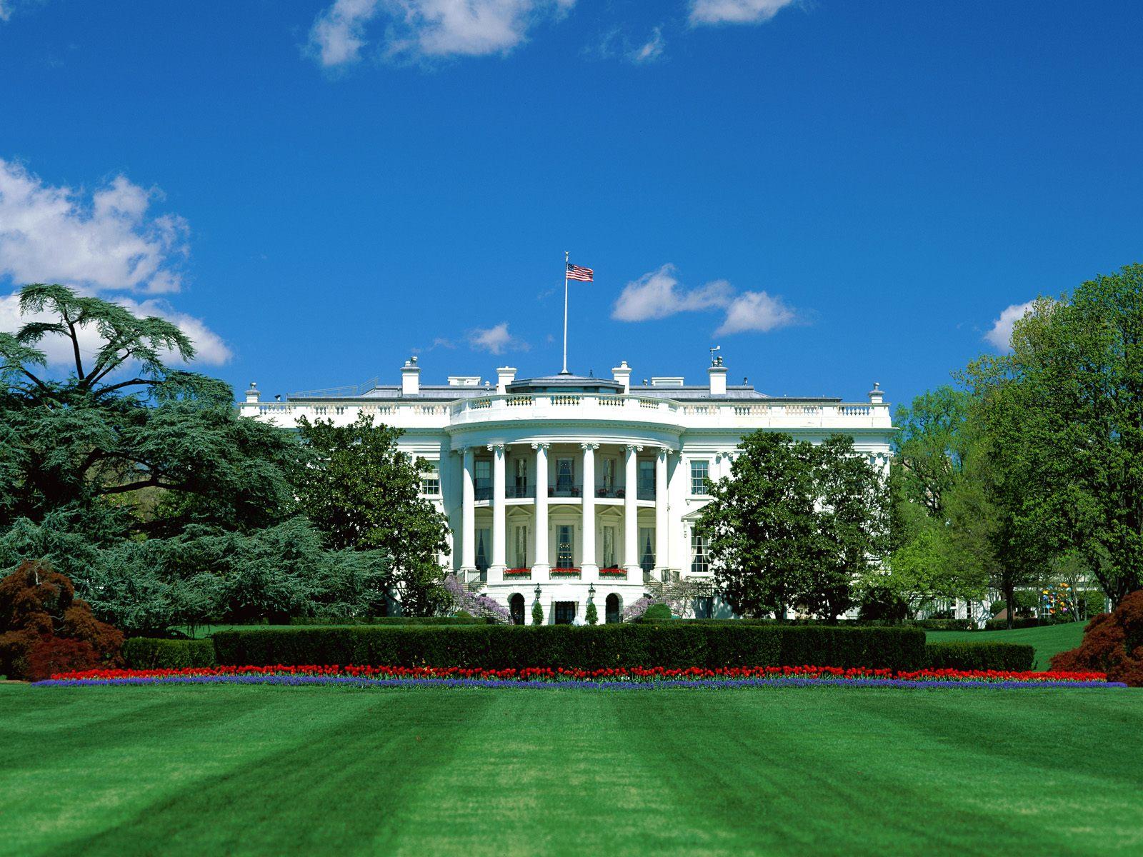 http://2.bp.blogspot.com/-KTedzhbafrM/UA7CcA4K8HI/AAAAAAAADyM/MVnugbzKNds/s1600/Presidential+Suite,+The+White+House,+Washington+D.C.+-+1600x1200+-+ID+21174+-+PREMIUM.jpg