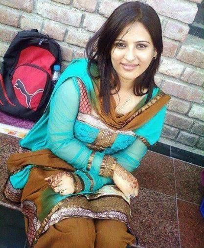 Beautiful Desi University Girl