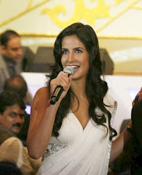 Katrina Kaif Looks Super Hot In White Saree At The Rajiv Gandhi Awards