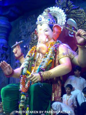 Lalbaugcha Raja 2011 in Green Dhoti