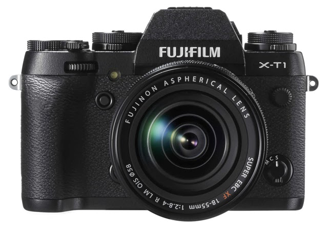 Fotografia della Fuji X-T1 con zoom 18-55mm