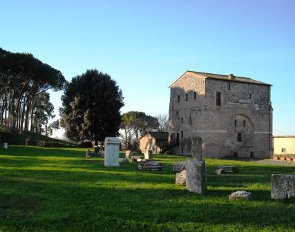 OmoGirando la Villa di Livia di Prima Porta e l'Arco di Malborghetto Arco
