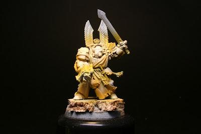 Ultimas luces en el exterminador de los Ángeles Oscuros de la caja de Warhammer: Venganza Oscura