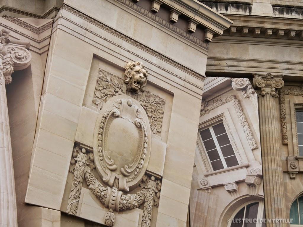 Fond d'écran #2 de JUIN 2014, avec et sans le calendrier du mois - Grand Palais, trompe-l'oeil de Pierre Delavie (photo mai 2014)