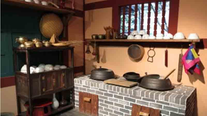 Asian kitchen inspiration for Traditional korean kitchen