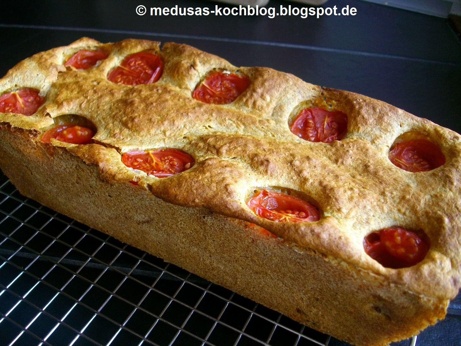 medusas kochblog currybrot mit tomaten nicht nur ein hingucker. Black Bedroom Furniture Sets. Home Design Ideas