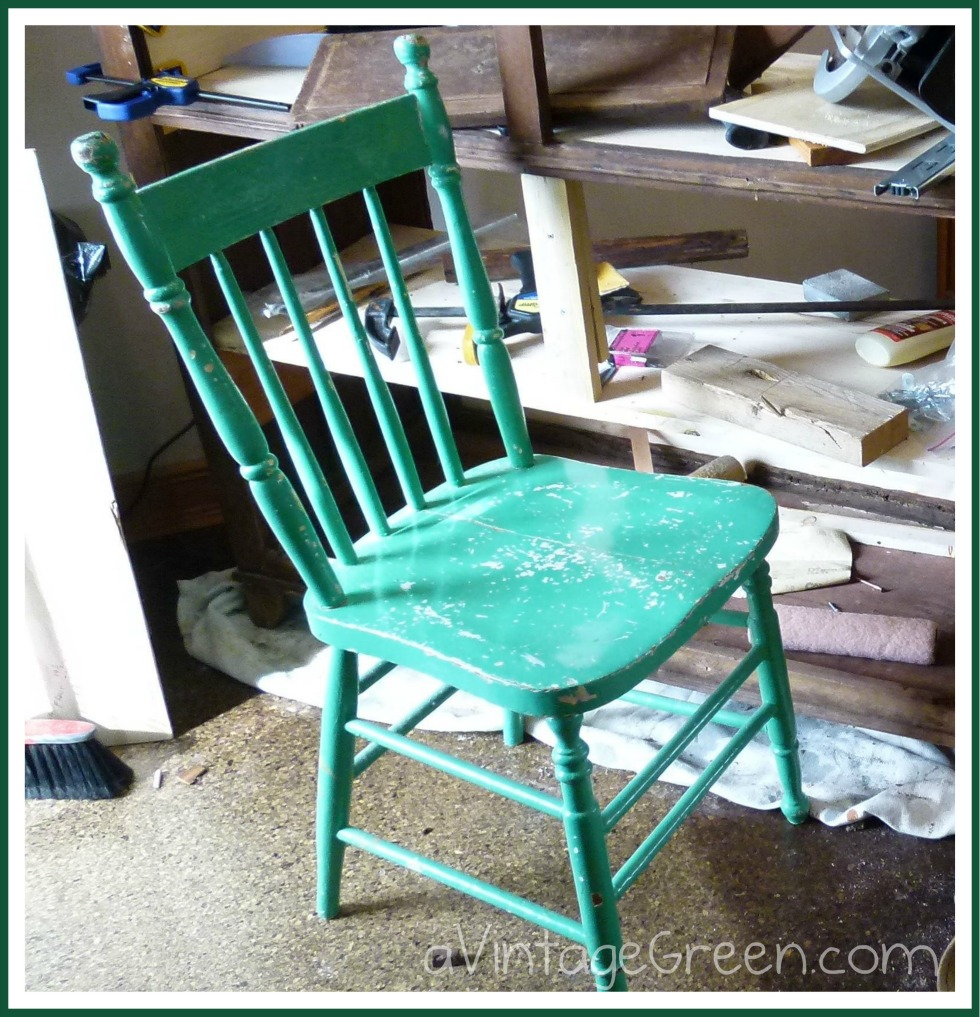 Painted Wooden Chairs a vintage green: home made chalk paint - vintage wooden chair