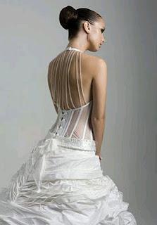 Vestidos de Novia con Escote en la Espalda, parte 3