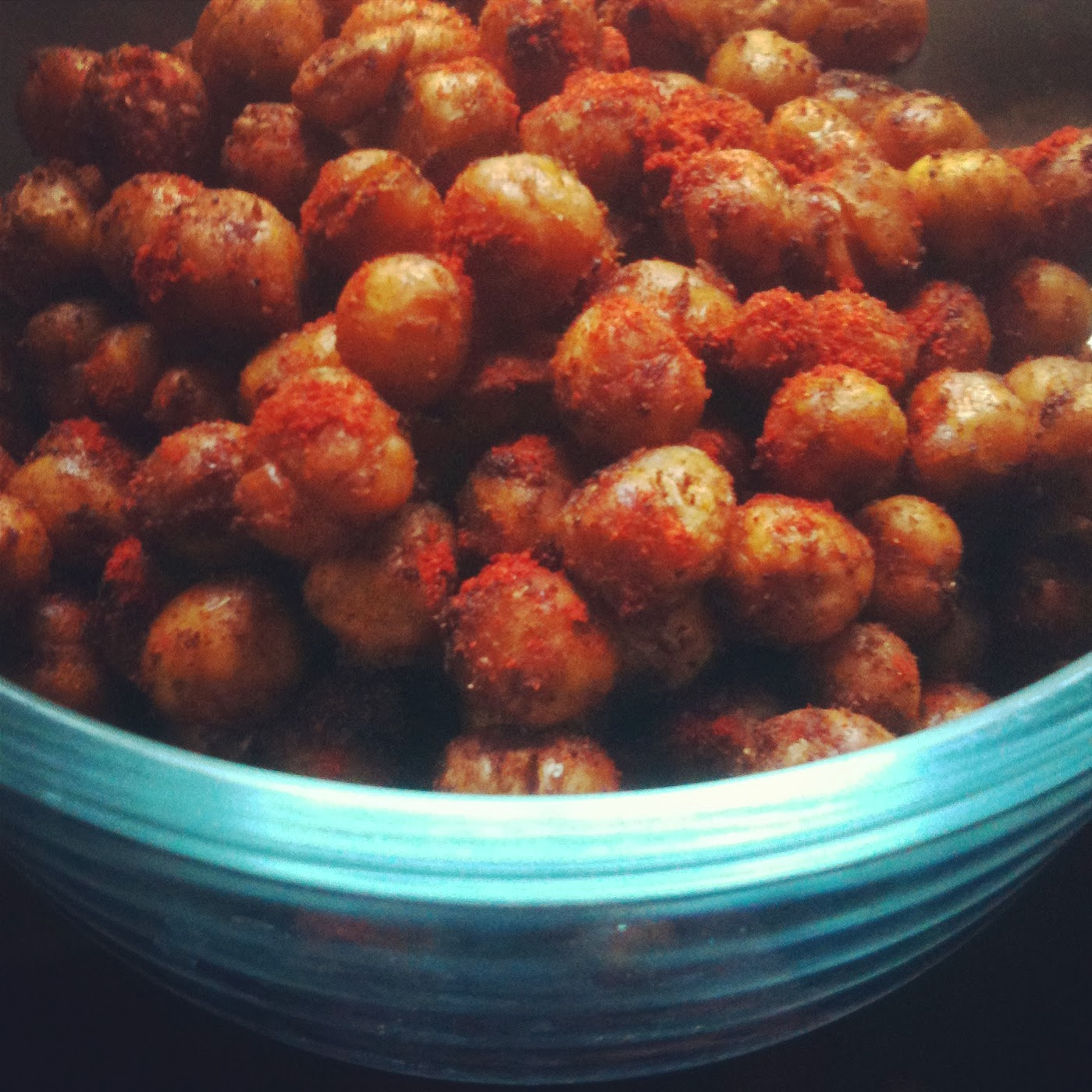 vegankind: Red Velvet Smoothie and Chickpea Poppers