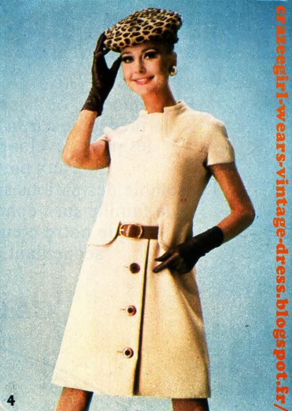 Variations sur le thème ceinture   Nina Ricci : Ceinture de cuir noir à boucle de métal doré pour une robe en pure laine peignée de ton vert, fermée sous un pli asymétrique. Poches plaquées et piqûrées. Variations sur le thème ceinture - belted dress - 1967 Christian Dior : Grande boucle ronde en écaille pour animer une ceinture de tissu , une trouvaille de M. Bohan (Christian Dior). La robe de style sarrau à longue patte de boutonnage est créée dans un jersey.  Nina Ricci :  En contraste, ceinture de cuir noir sur gabardine de laine de ton cyclamen. La robe est allurée par un col entonnoir, enroulé asymétriquement, et une grande poche plaquée sur le côté.  Guy Laroche : Jeu de cache-cache sousdeux basques arrondies ; la ceinture de cuir fauve est assortie  aux boutons et apporte  une note de fantaisie à une robe de ton crème, en gabardine de laine .Christian Dior : Ceinture fine et boucle allongée dans le même tissu que la robe, architecturée  de découpes et d'incrustations, celle-ci est remarquable par la nuance charmeuse d'un coloris prune. vintage fashion mode années 60 1960 60s 60's 1960s 1960's yeye mod mods twiggy belted belt dress dresses robe robes