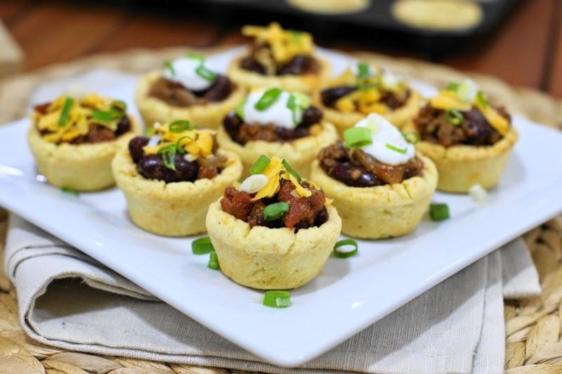 Chili Bites in Mini Cornbread Cups - The Kitchen is My ...