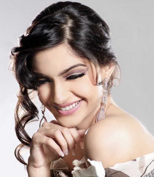Sonam Kapoor Players Wallpaper