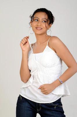 aakarsha spicy actress pics