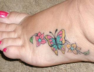 Tatuagens femininas nos pés 13