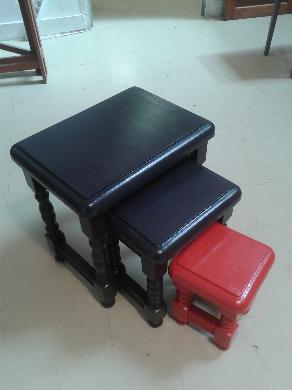 peinture sur meuble leroy merlin orl ans cours de. Black Bedroom Furniture Sets. Home Design Ideas
