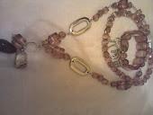 colar comprido sem fecho ,e pulseira c contas e entremeios prata