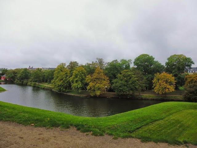 Parque en el interior de Kastellet