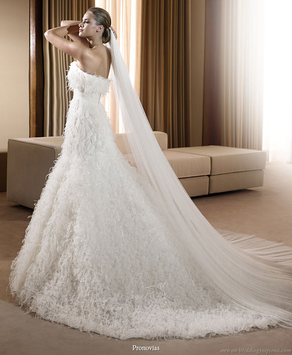 Unique Wedding Gowns: Unique Wedding Dresses