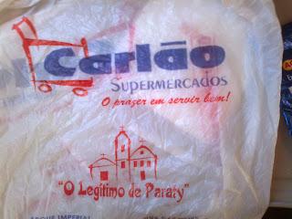 bolsa plástica del supermercado carlao en paraty brasil