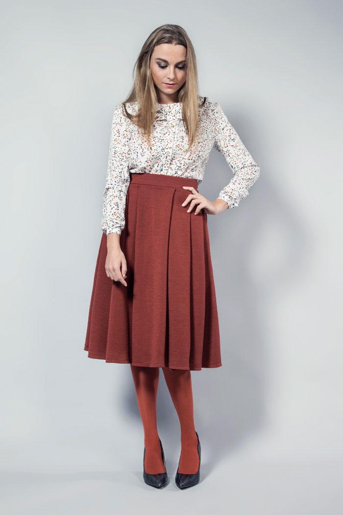 falda midi color marsala