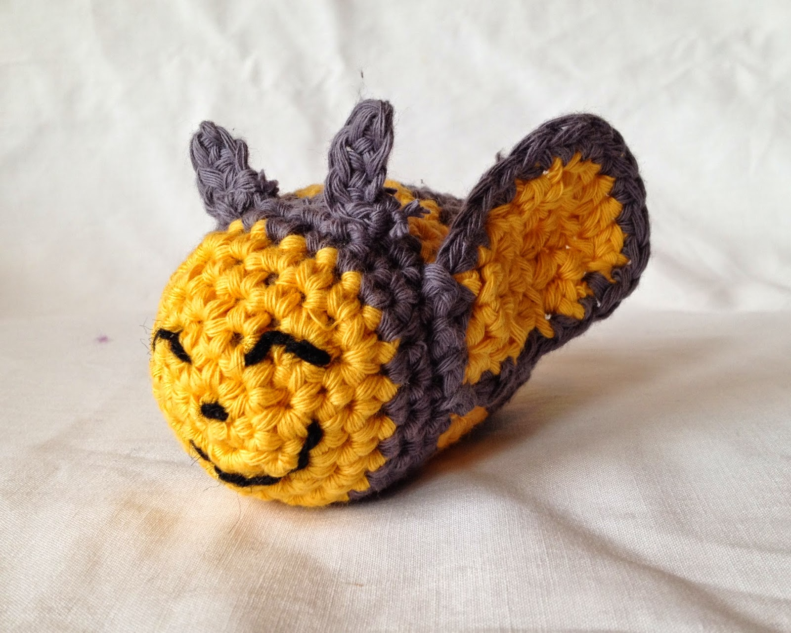 Free Crochet Patterns Yarn Bee : the geeky knitter: elvis the bumble bee - free crochet pattern