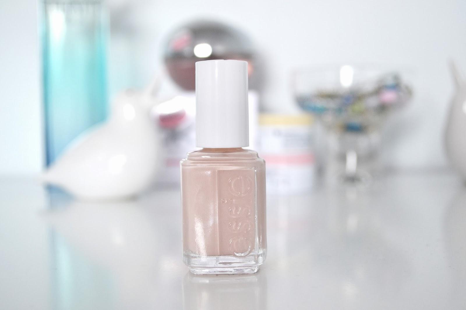 rêveriebelle beauty blog: Review: Essie Nail Polish in Secret Affair