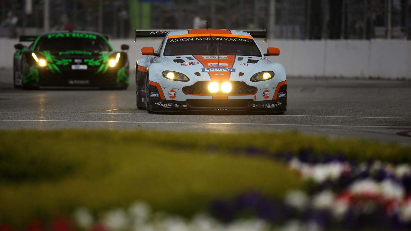 Wallpaper hd : Aston Martin Racing