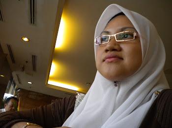 Cik Puan Hani