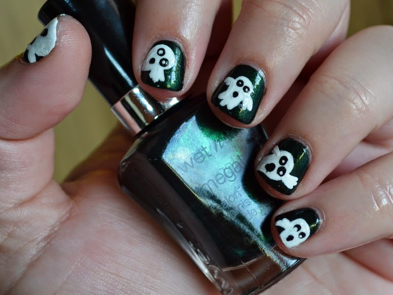 halloween nail art, ghost nail art, wet n wild poison ivy