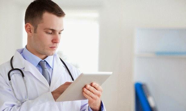 طلبة الطب يحتجون على خوصصة القطاع