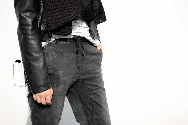jogging jeans details