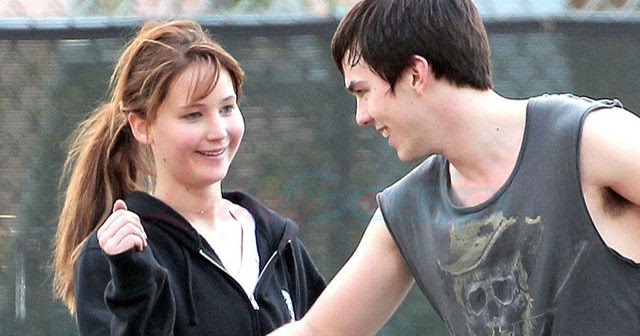 nicholas hoult with his girlfriend jennifer lawrence 2012